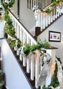 Banister Christmas white