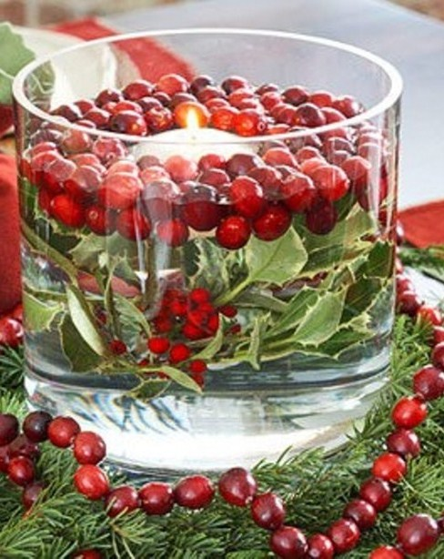 winter centerpiece with cranberries 3